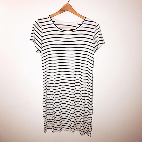 93524d2c24793 Liz Lange for Target Dresses & Skirts - SALE! Liz Lange Striped Maternity  Dress S